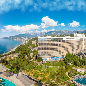 [Group 0]-PANO0001-20190527-Yalta-Intourist-360-10x5K_cr